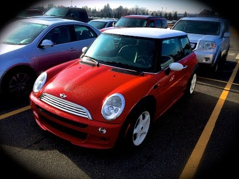 2002 Mini Cooper 1.6L 5MT Start Up, Quick Tour, & Rev With Exhaust View - 90K