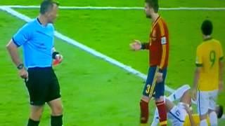 Tremenda Roja directa a Gerard Pique brasil-españa
