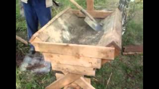 Деревянное корыто для замеса бетона