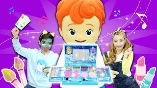 메이크업 아티스트 캐빈의 화장 놀이! 미녀와 야수 벨 공주님으로 변신한 엘리 l 캐리와장난감친구들