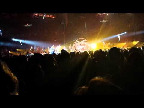 Garth Brooks with Trisha Yearwood World Tour Chicago 10 That Summer