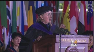 Hillary Clinton To Wellesley College Grads: Fight 'Assaults On Truth' thumbnail