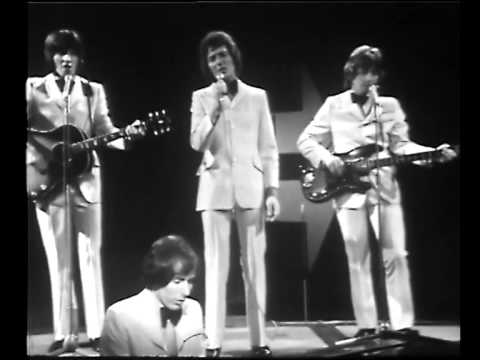 BANDSTAND LIVE IN AUSTRALIA HOLLIES AND HERMAN'S HERMITS 1969/70 Excerpt