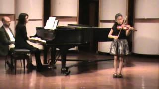 """Regina Mendoza, Alumna de Sarabanda, interpreta """"Danza de las Brujas"""" al Violín"""