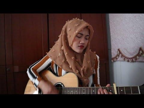 Nyesek Banget Lagu ini ~ Perpisahan Termanis~ Lovarian cover by Giyanti