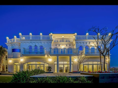 Luxury Beachfront Villa, Palm Jumeirah, Dubai, United Arab Emirates