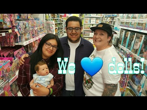 Shopping W/LIFELIKE Dolls At TOYS R US | ROSE Doll Show