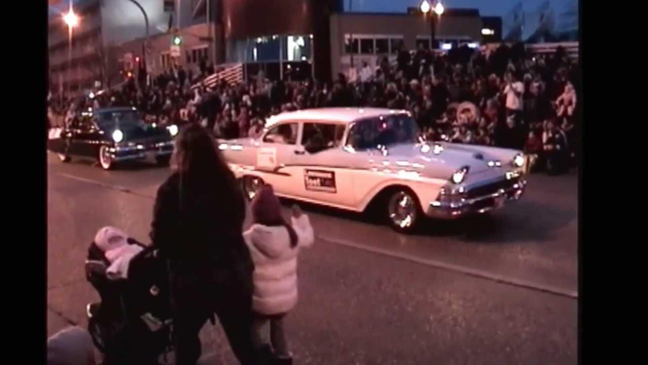 Old Cars Trucks Buses. Winnipeg Santa Claus Parade 2011 - YouTube