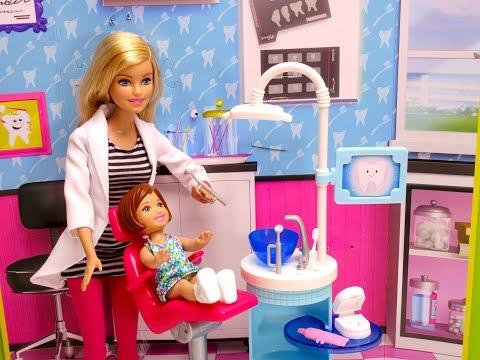 Barbie girl goes to Barbie doctor DENTIST & runs into Disney Frozen Anna doll