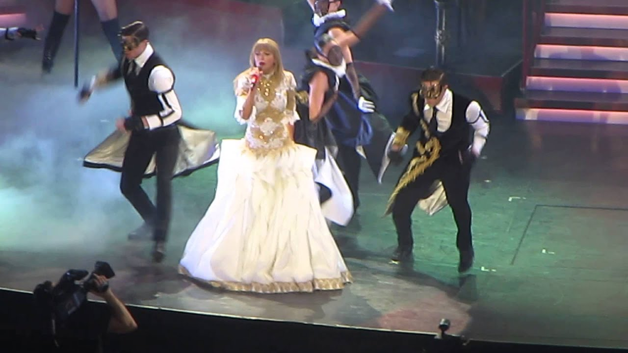 Taylor Swift I Knew You Were Trouble Red Tour Des Moines 8 01 13 Youtube