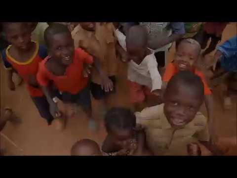 Kenyan Jiggers, Jigger Removal & Jigger Popping!