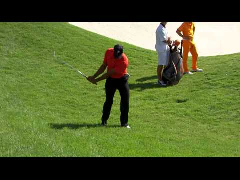 Signature Shot | Tiger Woods chips in at the Memorial Tournament 2012
