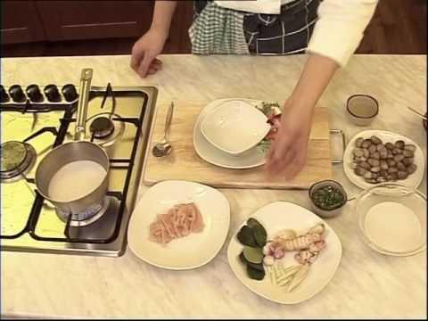 cuisine-thaïlandaise---soupe-de-poulet-au-lait-de-coco-(tom-kha-kai)