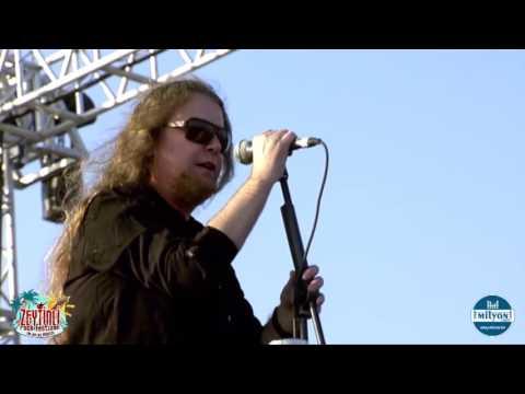 Murat İlkan - Yalan | Zeytinli Rock Festivali 2014
