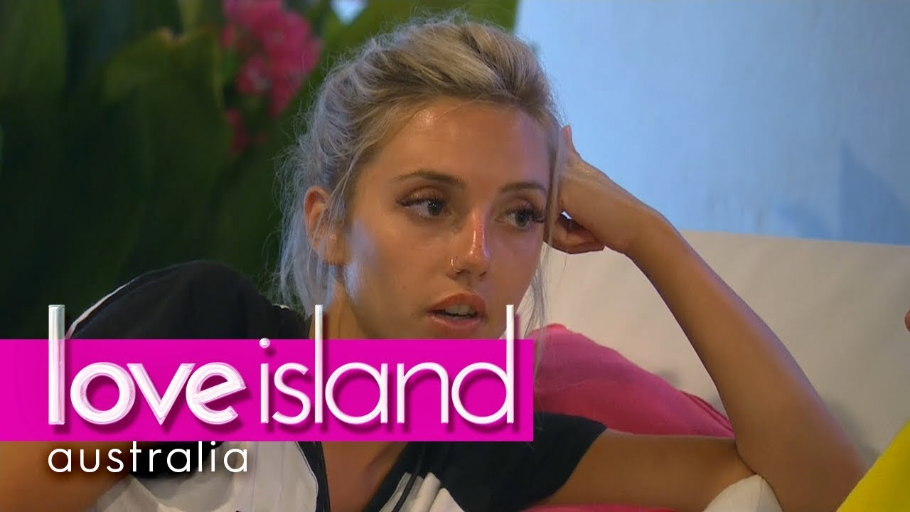 Cidy Admits To Erin That She S Into Dom Love Island Australia 2018