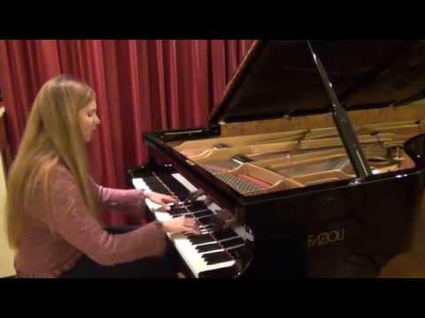 Chopin: Etude op. 10 no. 5 (Black Keys) Urska Babic