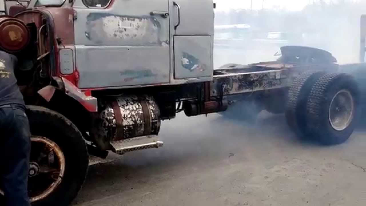 1965 Ih Dcf 400 318 Detroit Straight Pipes Youtube