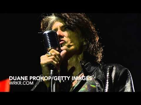Aerosmiths Joe Perry On Releasing Christmas Songs, New Book Rocks