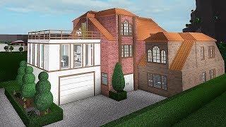 Building A 'Family Villa' ! #Roblox - Bloxburg (144k)