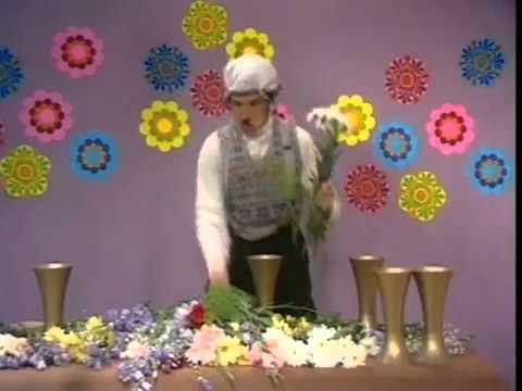Monty Python - D.P. Gumby-Flower Arrangement
