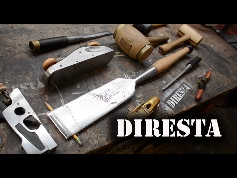 """A Vintage-Style Toolbox, a """"Slick"""" Tool Restoration, a Tilting Router Base, Portable Solar Charging and More"""