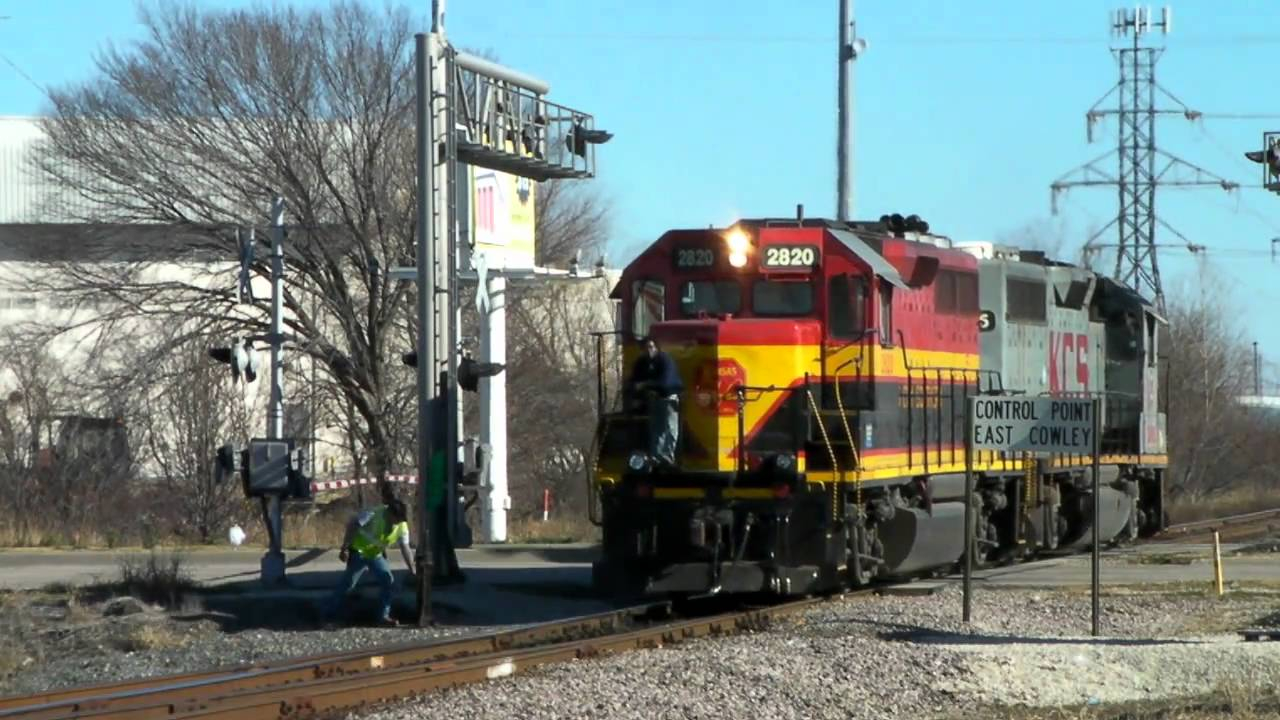 A Couple Kcs Trains In Plano Tx 01 08 2011 169 Youtube