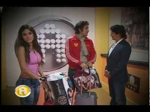 Gina Rivera Abandonó La Casa De La Academia Bicentenario (06/10/2010)
