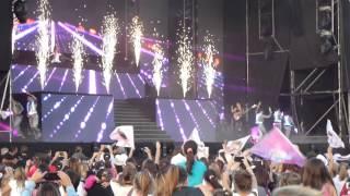 Show de Violetta live en Bahia Blanca 25/4/15 Milagros y Bianca Saez!!!