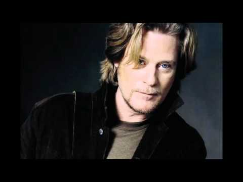 DARYL HALL -  Never Found A Girl
