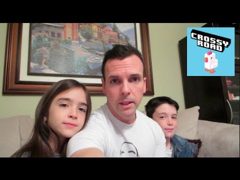 EH BEE FAMILY PLAYS: CROSSY ROAD