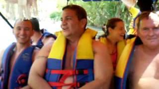 Por las rutas de mi Colombia - Bromas en el Balsaje por el Río La Vieja en Quindío