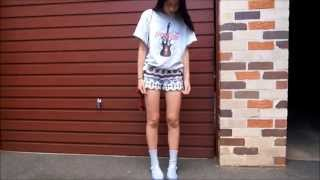 One of Tara Chandra's most viewed videos: How to style oversized tshirts #1