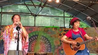 2018年7月28日、獏原人村 満月祭での演奏です。
