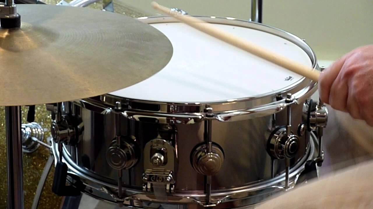 dw collectors series stainless steel 5 5 x 14 snare drum youtube. Black Bedroom Furniture Sets. Home Design Ideas