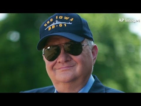 Author Tom Clancy dies at 66