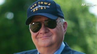 Author Tom Clancy dies at 66