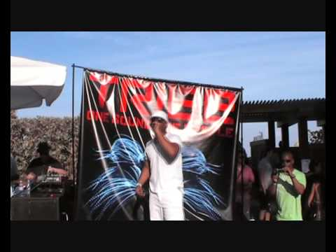 Nathan Adams performs Holding On @ TRIBE Pool Party (WMC) in Miami