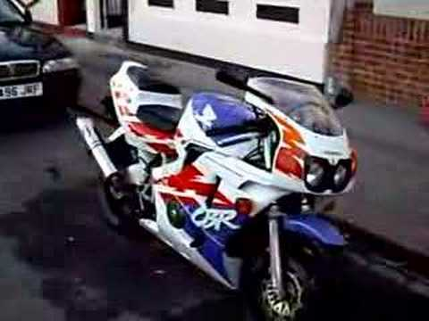 honda cbr 400 nc29 top speed