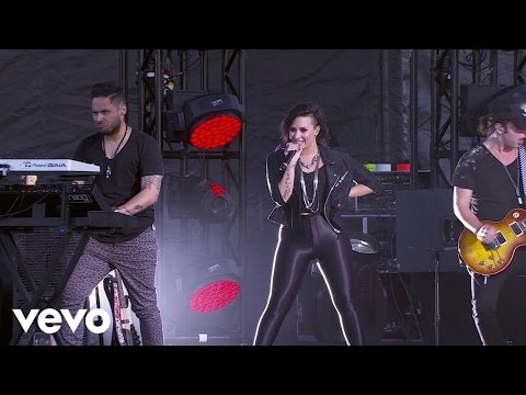 Demi Lovato - Heart Attack (Tour Warm-Up Live from the Honda Stage)