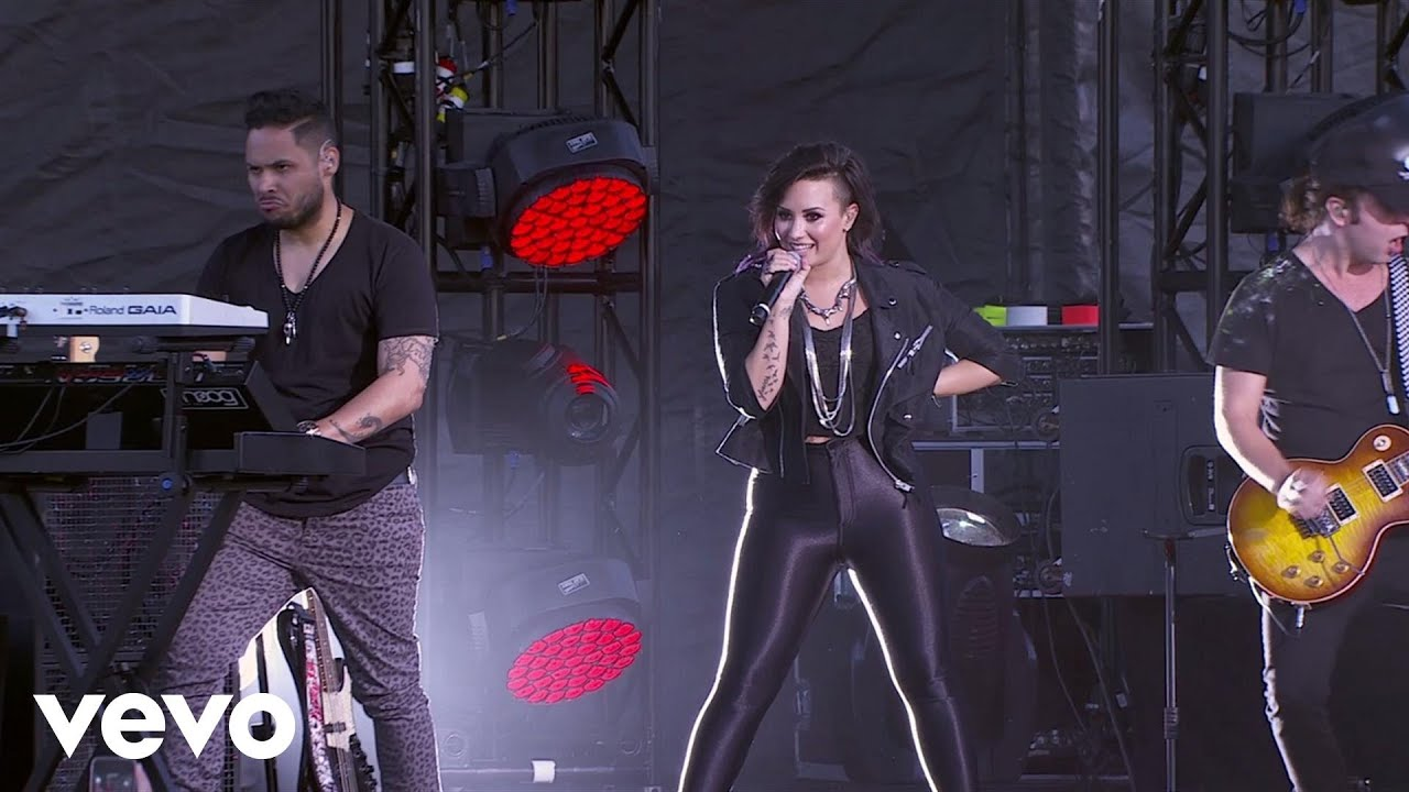 Download Demi Lovato - Heart Attack (Tour Warm-Up Live from the Honda Stage)
