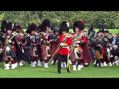 1,000 Marching Pipers Pipe Band Parades Scotland