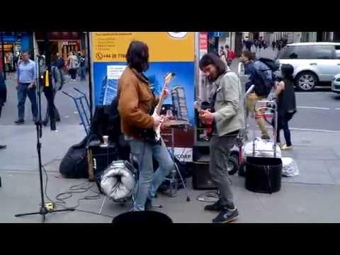Sensational London street band Santos on Mars play Hey Joe (Jimi Hendrix)