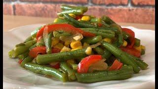 Вкуснейший салат из стручковой фасоли и кукурузы.