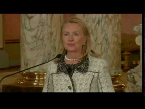 Secretary Clinton Highlights Women's Financial Inclusion in Peru