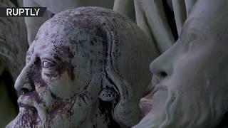 Во Франции открыта выставка снятых с крыши Нотр-Дама статуй