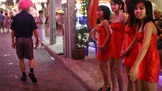 Repeat youtube video Pattaya 2013 - Walking Street in Thailand - FHD
