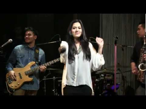 Raisa with BLP  Could It Be @ Mostly Jazz 120712 HD