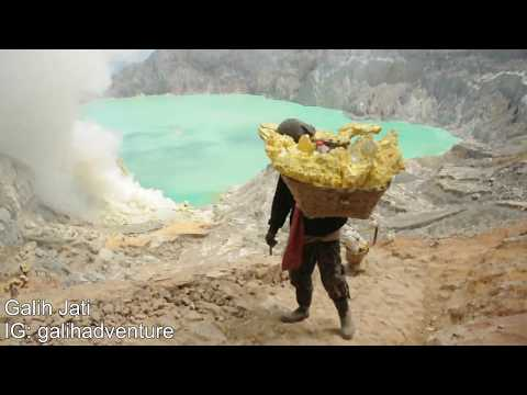 Work Hard Like Like The Sulfur Miners At Ijen Crater