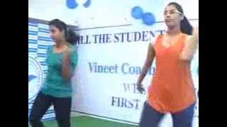 VARNIKA & RIDIMA DANCING CHAK DE INDIA