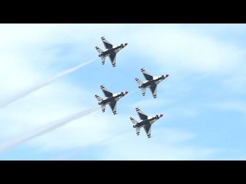 USAF Thunderbirds perform at 2017 Joint Base Andrews Airshow